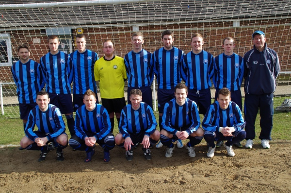 Back Row: Adam Heaslewood, Scott Simmonds, Ross Simmonds(Captain), Craig Open, James Gibson, Matt King, Greg Brown, Adam Freeman, Keith D'Urso(Manager)